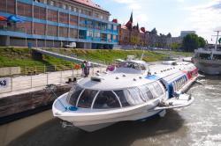 Na pravidelné lince vás rychlolodě za 26 až 29 eur dopraví z Bratislavy do Vídně a zase zpět.