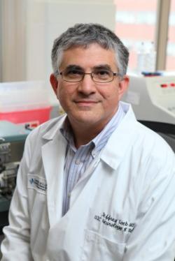 Dr. Jeffrey Loeb je předsedou neurologické kliniky John S. Garvin, profesorem a vedoucím neurologie na UIC College of Medicine.Foto: Jenny Fontaine, Kredit: UIC (University of Illinois Chicago).