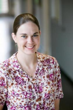 Meredith MacGregor, odborná asistentka,  první autorka aktuální studie. CENTRUM PRO ASTROFYZIKU A VESMÍRNOU ASTRONOMII, Kredit:  University of Colorado Boulder.