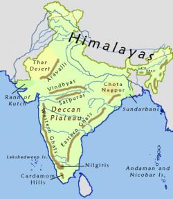 Mapka Indie s naznačením polohy Dekánské plošiny. Již podle rozlohy této struktury můžeme tušit ohromnou sílu dávných sopečných událostí. Kredit: Nichalp, Wikipedie