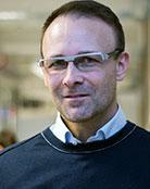 Martin Bergö, Sahlgrenska Cancer Center, profesor na University of Gothenburg. Vloni šokoval prohlášením, že když zvířatům dopřál doporučované dávky antioxidantů, vedlo to u nich akorát k tomu, že jejich původně malé plicní nádorky začaly být agresivní. Letos obvinění antioxidantů rozšířil o podněcování k šíření melanomu, smrtelné rakoviny kůže. (Kredit: Sahlgrenska Academy)