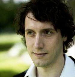 Matthias Forstmann, první autor článku. Psychedelika zvyšují empatii po delší dobu, než se soudilo. Yale.