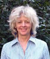 """Martha K. McClintock je nyní profesorkou psychologie na universitě v Chicagu, je zakladatelkou Ústavu pro mysl a biologii a současně ředitelkou Centra pro interdisciplinární zdravotní výzkum (CIHDR). Před 46 lety, tehdy ještě jako začínající psycholožka na Harvardu, publikovala  v časopise Nature článek nazvaný """"Menstrual Synchrony and Suppression"""". Pomohl jí v kariérním růstu a stala se slavnou. (Kredit: University od Chicago)"""