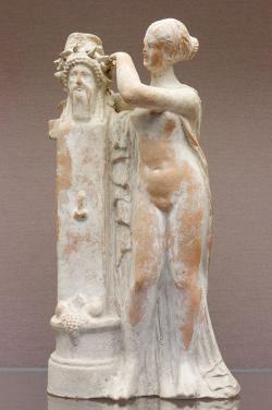 Afrodíté u hermovky Herma, 2. století před n. l., British Museum. Kredit: Marie-Lan Nguyen, Wikimedia Commons.