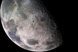 Náš starý dobrý Měsíc. Kredit: NASA/JPL/USGS.