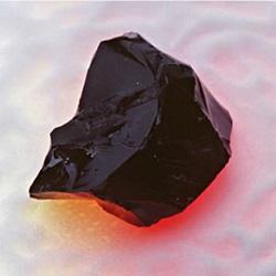 Minerál vytvořený znapodobeniny radioaktivního odpadu. Kredit: Albert Kruger/U.S. Department of Energy.