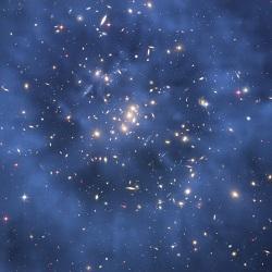 Složenina dvou snímků. Na první z Hubblova teleskopu byl vložen ještě druhý – počítačem  zpracovaný do modré barvy, vyjadřující naměřené prstenecové rozložení temné hmoty kolem středukupy galaxiíCL0024+17  (Kredit: M.J. Jee and H. Ford,  Johns Hopkins University)
