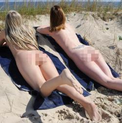 Sluníčko přispívá našim pořádkovým jednotkám (populaci T buněk)  k větší mobilitě a zlepšuje tak odolnost organismu proti virovým a bakteriálním infekcím. (Kredit: Thirllist Travel)  https://www.thrillist.com/travel/nation/clothing-optional-beaches-the-best-nude-beaches-in-europe