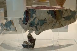 Malba na štuce obětního stolku, Tiryns, 16 až 14. století před n. l. Archeologické muzeum v Naupliu. Kredit: Zde, Wikimedia Commons. Licence CC 4.0.