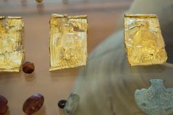 """Další verze """"Malého prince"""" z Kamini, 12. století před n. l. Archeologické muzeum na Naxu. Kredit: Zde, Wikimedia Commons. Licence CC 3.0."""