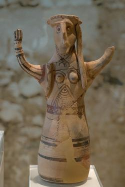 Bohyně nebo kněžka. Tiryns, 12. století před n. l. Archeologické muzeum v Naupliu. Kredit: Zde, Wikimedia Commons. Licence CC 4.0.