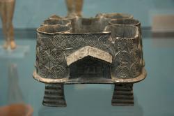 Model sýpky z ostrova Mélu (Milosu), kolem 2500 př. n. l., steatit, odhadem 15 cm. Staatliche Antikensammlungen München. Kredit: Zde, Wikimedia Commons.