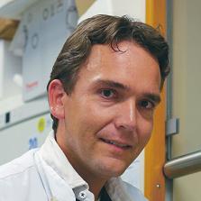 Max Nieuwdorp, vedoucí vědecký pracovník a vůdčí osobnost výzkumného kolektivu. Academic Medical Center, University of Amsterdam, Nizozemí.