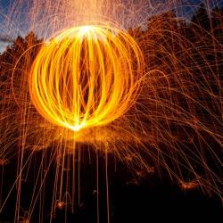 Vytvářejí gravitaci spontánní kolapsy vlnové funkce? Kredit: CC0 Creative Commons.