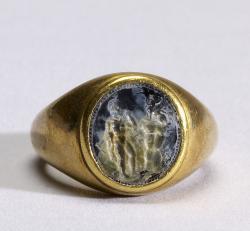Oidipús a Sfinga na kameji (gemě) v prstenu, 4. století před n. l. (?) Baltimore, Walters Art Museum 42.465. Kredit: Walters Art Museum cooperation project via Wikimedia Commons.