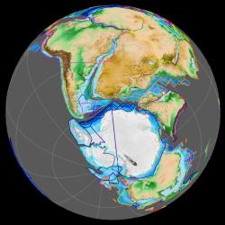 """Superkontinent Gondwana přibližně v době existence santanaraptora (resp. asi o 14 milionů let dříve, tedy zhruba před 126 miliony let, v období spodní křídy). Tyranosauroidi žili v této době na území současné Brazílie a zároveň i Austrálie. Je pravděpodobné že fosilní pozůstatky zástupců této skupiny budou v budoucnosti objeveny i na jiných lokalitách v rámci """"jižních kontinentů"""" (mezi které však tehdy patřila například i dnešní Indie). Kredit: Fama Clamosa, Wikipedie (CC BY-SA 4.0)"""