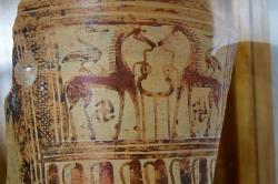 Koně s dobře vyladěným thýmem, 750-700 před n. l. Archeologické muzeum na Naxu (v Chóře). Kredit: Zde, Wikimedia Commons. Licence CC 3.0.