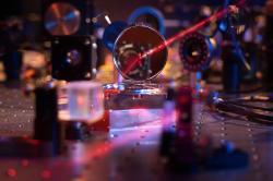 Nejlehčí zrcadlo světa. Kredit: Max Planck Institute of Quantum Optics.