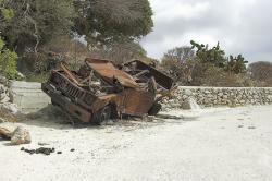 Nad vsí Tholária na Amorgu se osel o automobilismu vyjádřil jasně. Kredit: Zde, Wikimedia Commons.