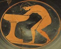 "Mladík u umyvadla, s nápisem ""krásný"", 510–500 př. n. l. Vatikánská muzea. Kredit: Epeleios Painter via Marie-Lan Nguyen alias Jastrow, Wikimedia Commons."