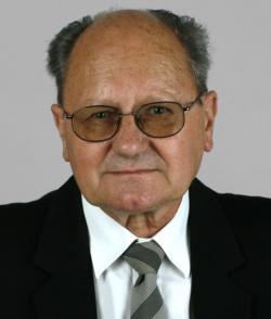 Prof. RNDr. Jiří Patočka, DrSc., profesor toxikologie, Katedra radiologie,toxikologie a ochrany obyvatelstva, Zdravotně sociální fakulta, Jihočeská univerzita v Českých Budějovicích.