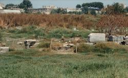 Dnešní vzhled azylového prostoru u Artemidina chrámu v Efesu, kam se prý Hérakleitos uchýlil, možná po neúspěšném pokusu svého kamaráda o převrat. Kredit: Zde, Wikimedia Commons.
