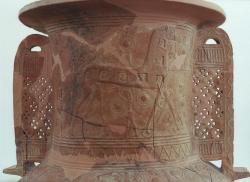 Zobrazení hrdinského mýtu: Trojský kůň, reliéf na keramice, 675–650 před n. l. Kredit: Wikimedia Commons.
