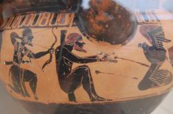 Héraklés přichází osvobodit Prométhea, 6. století před n. l. Kredit: Wikimedia Commons.