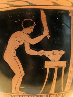 Příprava oběti prasete před chrámem, 360 až 340 před n. l. National Archaeological Museum of Spain, Madrid. Kredit: Marie-Lan Nguyen, Wikimedia Commons.