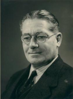 Howard Florey dostal v roce 1945 Nobelovu cenu za fyziologii a medicínu (spolu s Ernstem Borisem Chainem a Alexanderem Flemingem za objev penicilinu). Po něm ústav dnes nese jméno. (Kredit: Florey).