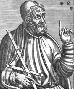 """Klaudios Ptolemaios. Narodil se někdy okolo roku 85 našeho letopočtu a dnes bychom o něm řekli, že to byl Řek zaměstnaný v Egyptě. Proto se mu říká Alexandrijský. Bohužel zavrhl představu heliocentrického systému Aristarcha a Seleuka ale protože byl uznávaným učencem, jako představitel """"nového myšlení"""" v němž středem vesmíru byla Země, zformoval naše představy prakticky až do novověku. Budiž mu ale ke cti, že popsal výklad různých znamení a návod, jak sestavit horoskop. Myslel to vážně a udělal to poctivě. Jsou toho čtyři knihy a je to poklad. Jak pro astrology, kteří podle toho """"jedou"""" dodnes, tak proto, že tím uchoval podobu tradic, myšlení a kultury z doby před vznikem křesťanství."""