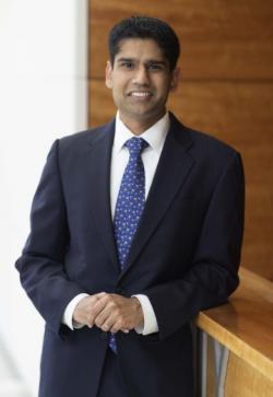 Dr. Ranjith Ramasamy, androlog a urolog, ředitel programu reprodukční urologie na Millerově lékařské fakultě University of Miami. Kredit:  R. Ramasamy, UM.