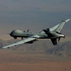 Vyzbrojený MQ-9 Reaper od General Atomics. Kredit: US Air Force.