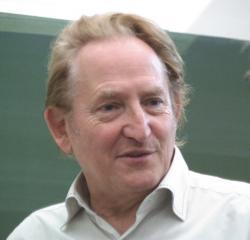 Prof. Dr.Ing. Ingo Rechenberg, bionik  a objevitel pavouka Cebrennus rechenbergi.  Kredit: Technische Universität Berlin.
