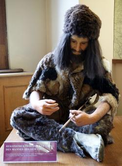 Nebo byl švihákem v nejlepších letech s atributem úspěchu v ruce a jak se s ním můžeme potkat ve Vídni v Naturhistorisches Museum?  (Kredit: Sandstein CC BY 3.0)