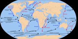 """Rovníkové proudy a protiproudy  Polynésii protíná takzvanýrovníkový protiproud, plynoucí odzápadunavýchodzhruba porovníku. Vzniká přibližně na 130°východní zeměpisné délkya směřuje až keGalapágám, kde se střetává sproudemPeruánským. O něco dále na sever a na jih od protiproudu protékají Polynésii dva další """"rovníkové"""" proudy, ty však tečou opačným směrem, odAmerikyk břehůmAsie.Severní rovníkový proudvzniká z prouduKalifornského, omýváHavajské ostrovya pak se u pobřežíFilipínstáčí severním směrem a dosahuje kJaponsku.Jižní rovníkový proudvzniká z proudu Peruánského a západně od Polynésie se rozděluje do několika ramen, znichž největší uhýbá okolo východního pobřežíAustráliekjihu a jiná se dostávají mezi ostrovyjihozápadní Asie.Polynésanése naučili využívat mořských proudů kúčinnějšímořeplavběa znalost proudů patřila mezi základy jejich bezpřístrojovénavigace. Kredit: Wikipedia. Volné dílo."""