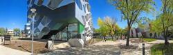Australská národní universita, budova s laboratořemi pro biologický výzkum.