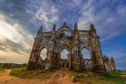 Ruiny kostela ve Shettihalli, Indie. Kredit: Bikashrd / Wikimedia Commons.