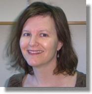 Debra L. Silver, molekulární genetička na Duke University v Durhamu. Ve své laboratoři hodlá myším, kterým lidskou DNA zvětšila mozky, zkoumat kognitivní schopnosti a inteligenci. (Kredit: DU)