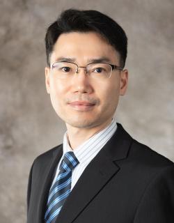 Suyong Song, ekonom na University of Iowa. Kredit: UI.