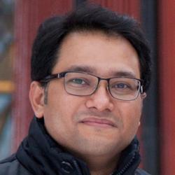"""Sourav Prasanna Mukherjee: """"Neutrofily nejen, že zvládají rozkládat grafen, ale jeho rozkladné produkty nejsou pro lidské buňky (plicního epitelu) toxické ani genotoxické"""". Institute of Environmental Medicine, Karolinska Institutet, Stockholm, Švédsko."""