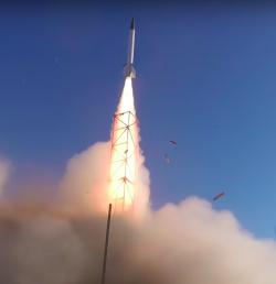 Start rakety Traveler IV. Kredit: USC.