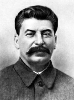 """J.V. Stalin: """"Udusí se na našich mrtvých"""". (Bohužel to nebyla metafora)."""