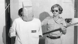 Stanfordský väzenský experiment bol dosť drsný...