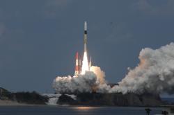 Start rakety H-IIA se sondou Hajubasa 2 (zdroj JAXA).