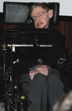 Hawking 5. května 2006, tisková konference vBibliothèque nationale de Francepři otevření astronomické a částicové laboratoře vPařížia uvedenífrancouzskéverze své práceBůh stvořil celá čísla.  Kredit: Wikipedia, volné dílo.