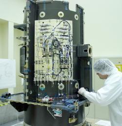 Systém, který zajišťuje v motoru NSTAR zásobování xenonem (zdroj NASA).