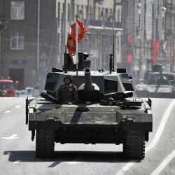 T‑14 Armata se blíží. Kredit: Vitaly V. Kuzmin, Wikimedia Commons.