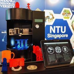 Blacksmith Genesis. 3D tiskárna a skener v jednom. Kredit: NTU Singapore.