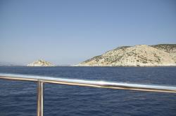 Ostrůvek Daktylion a ostrov Keros. Kredit: Wikimedia Commons.